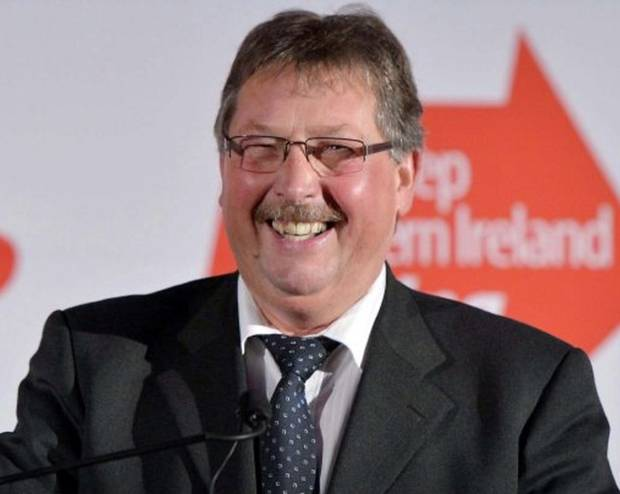 Sammy Wilson is to step down from Northern Ireland Assembly but wil remain as MP at Westminster