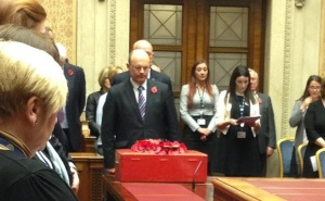 Roy Beggs leading the Service of Remembrance at the Northern Ireland Assembly (10/11/2014)